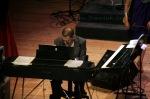 زياد على البيانو